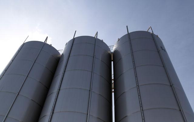 Depósitos de alumino en exteriores